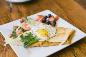 Rise and Dine: square plate with brunch food